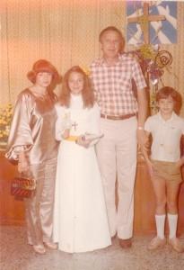 A fé e a família na minha primeira comunhão.