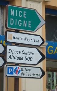 A rota de Napoleão é bem sinalizada e vale a viagem.