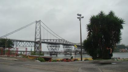 Ponte Hercílio Luz, antiga ligação do continente à ilha.